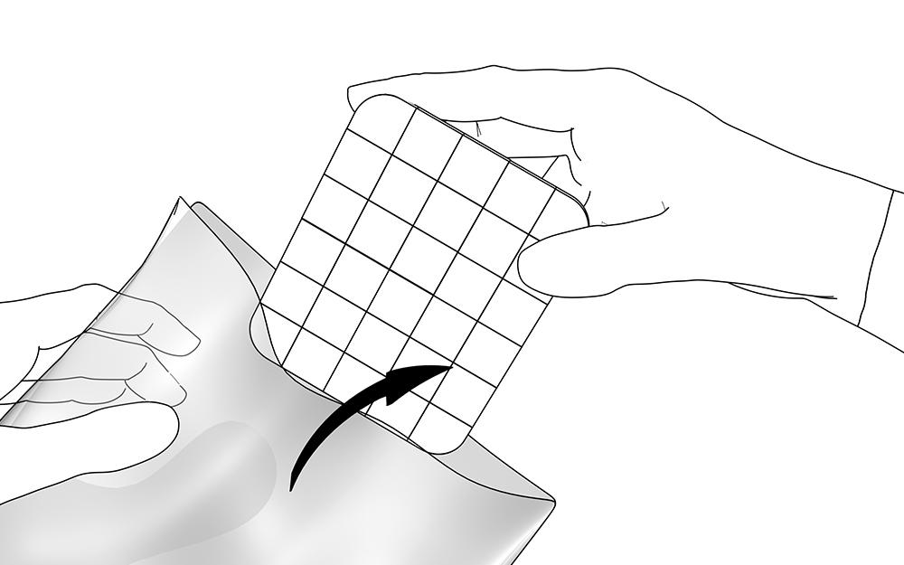LIQUEEL<sup>®</sup> GD - adaptierbare sanft haftende Wundauflage aus Polyurethanschaum mit Silikonbeschichtung | Anwendungshinweis - Schritt 1