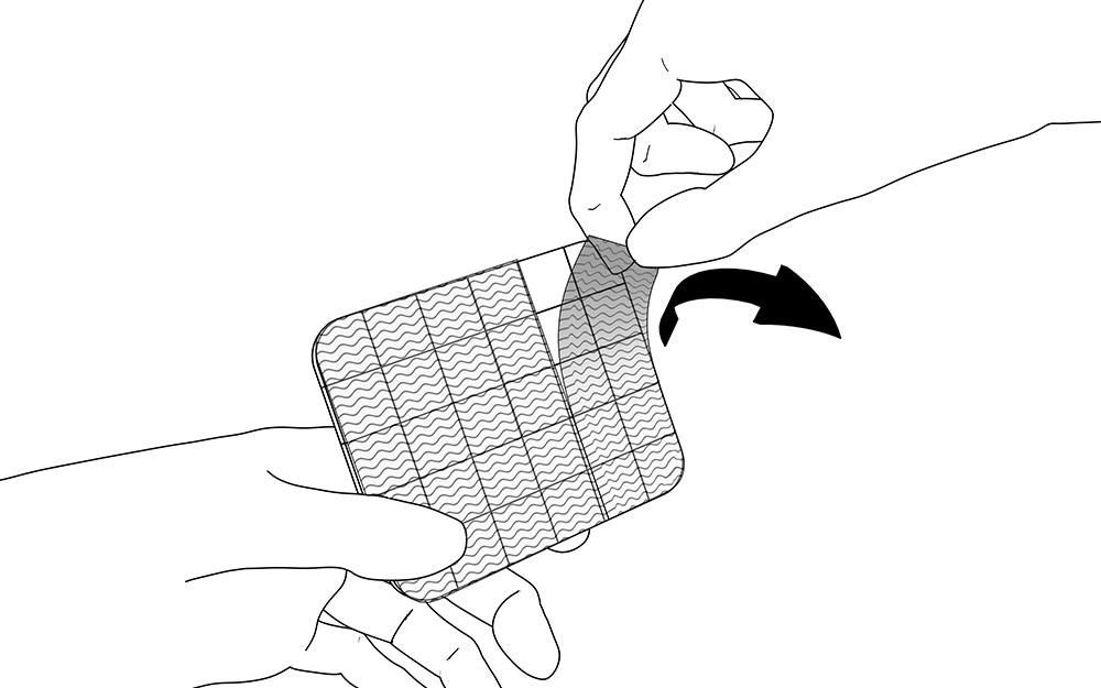 LIQUEEL<sup>®</sup> GD - adaptierbare sanft haftende Wundauflage aus Polyurethanschaum mit Silikonbeschichtung | Anwendungshinweis - Schritt 2